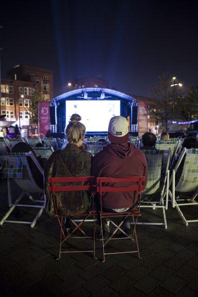 Séance de cinéma d'extérieur ou en plein air
